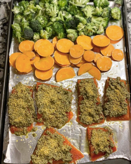 salmon sheet pan crispy.png